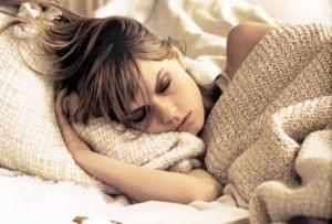 dormir con makeup